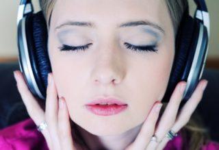 音楽が美肌に効果的ってホント?音楽と美容の関係を考える