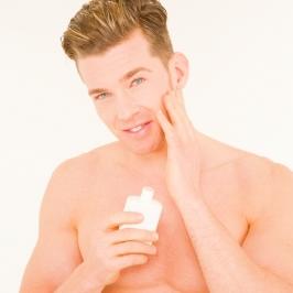 使っている化粧水ブランド1位…男性「ギャツビー」・女性「肌ラボ」