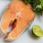鮭やナッツが多価不飽和脂肪が体にたまった脂肪を落とし筋肉を付ける