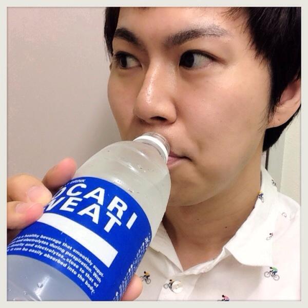【カロリーだけ?】ポカリスエットの青色と水色の違いを聞いてみた。