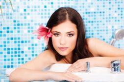 半身浴がカサカサ肌の原因に! 美肌づくりのバスタイム術