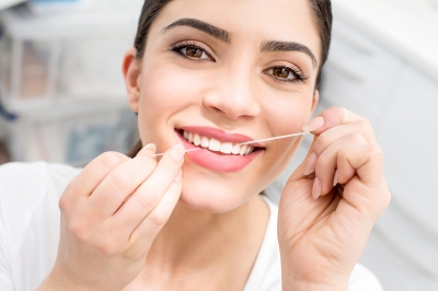 <黄ばんだ歯>は7割の人が「魅力が半減する」、5人に1人は「100%イメージダウン」と回答